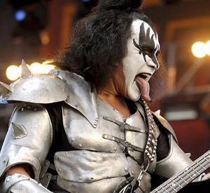 Gene Simmons dei Kiss in concerto