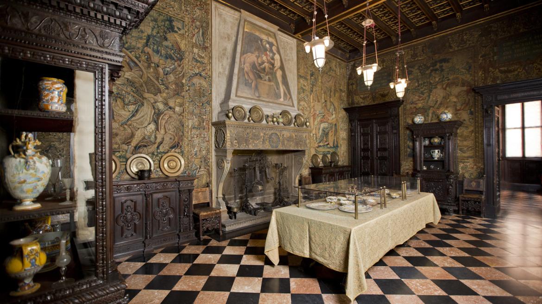 Il passato presente al museo bagatti valsecchi milano for Sala pranzo vecchia