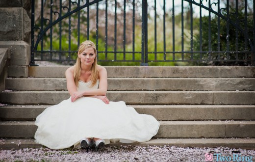 bride-on-steps