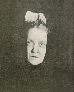 Un ritratto della medium Eusapia Palladino