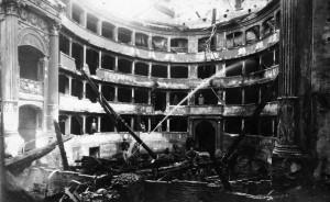 Il Teatro alla Scala dopo i bombardamenti del 1943