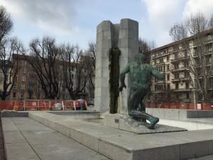 La fontana monumentale di piazza Grandi che nascondeva il rifugio antiaereo n. 87